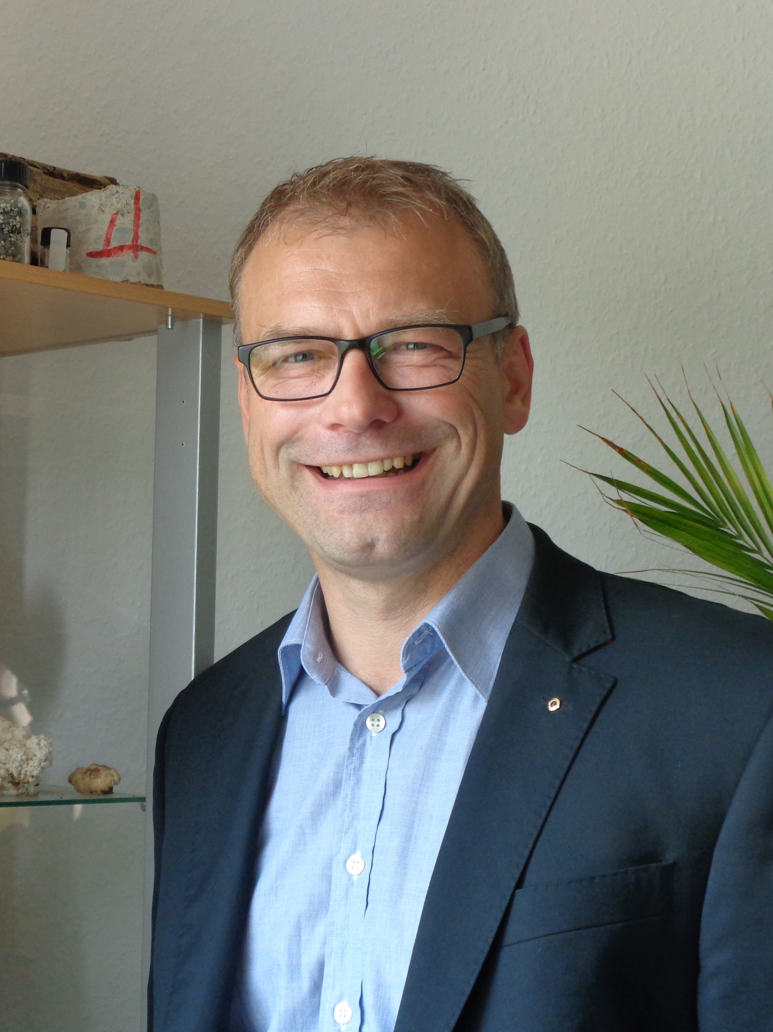 Dr. Mario Blei